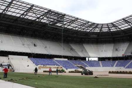 The first rolls of grass are installed at Red Bull Arena